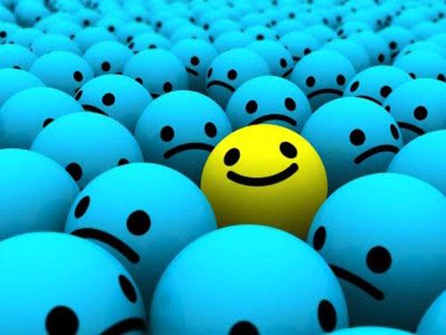 feliz_na_multidao