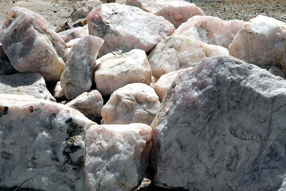 pedra bruta kljhgfdcvbjnk