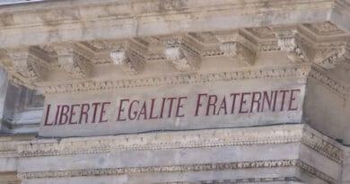 liberte egalite fraternite uygfh