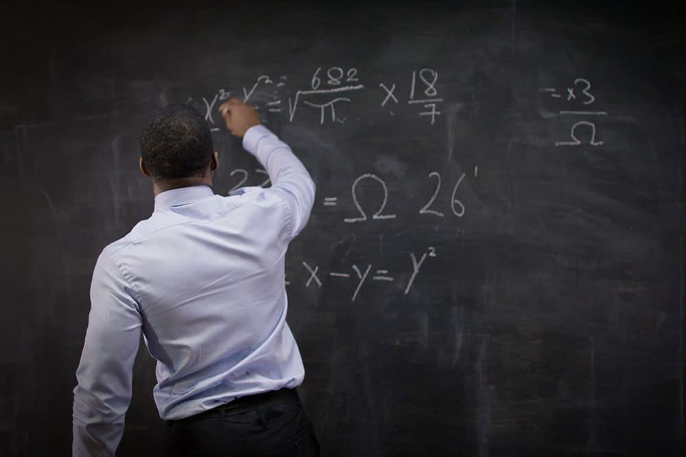 blackboard 65tredfghbjn