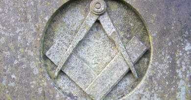 stone square and compass wef44