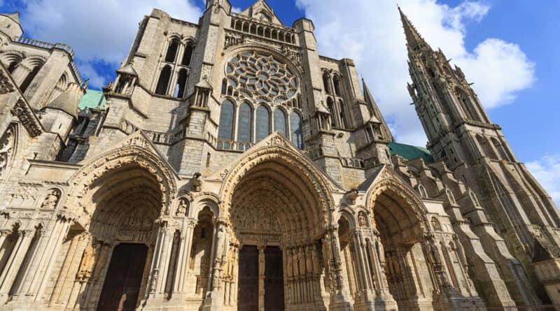 A geometria das catedrais góticas e neogóticas