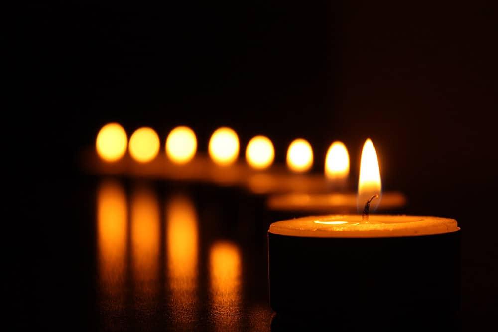 seven candles wqewedsaaww