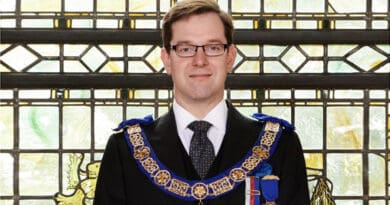 Dr. David Staples, Chief Executive Officer da United Grand Lodge of England (Grande Loja Unida de Inglaterra)
