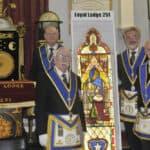 Vitrais históricos devolvidos a North Devon após 30 anos