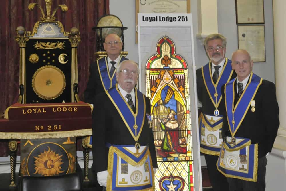 loyal lodge stained glass jhhg56