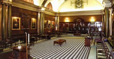 the holmes lodge 3hytft777
