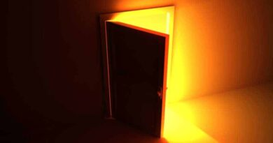 porta aberta, entrar, ingressar