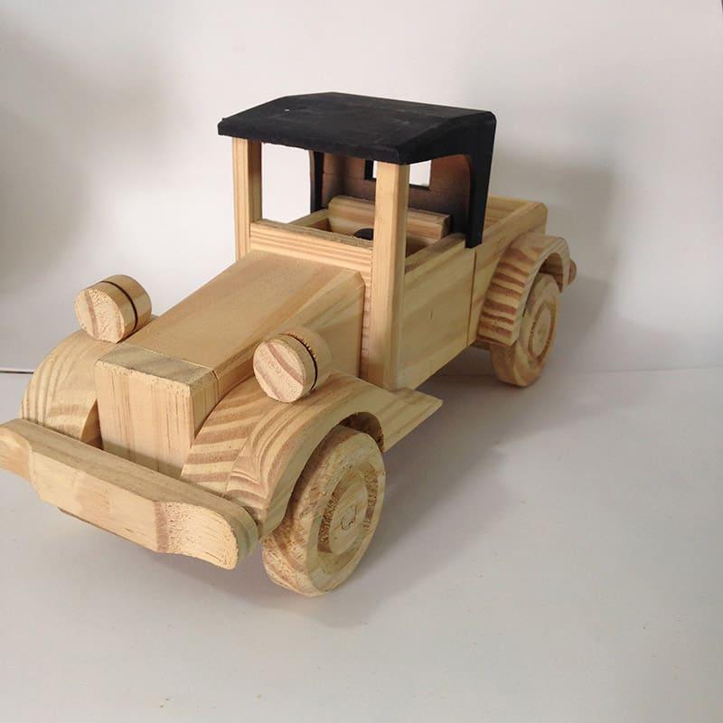 carro antigo de madeira